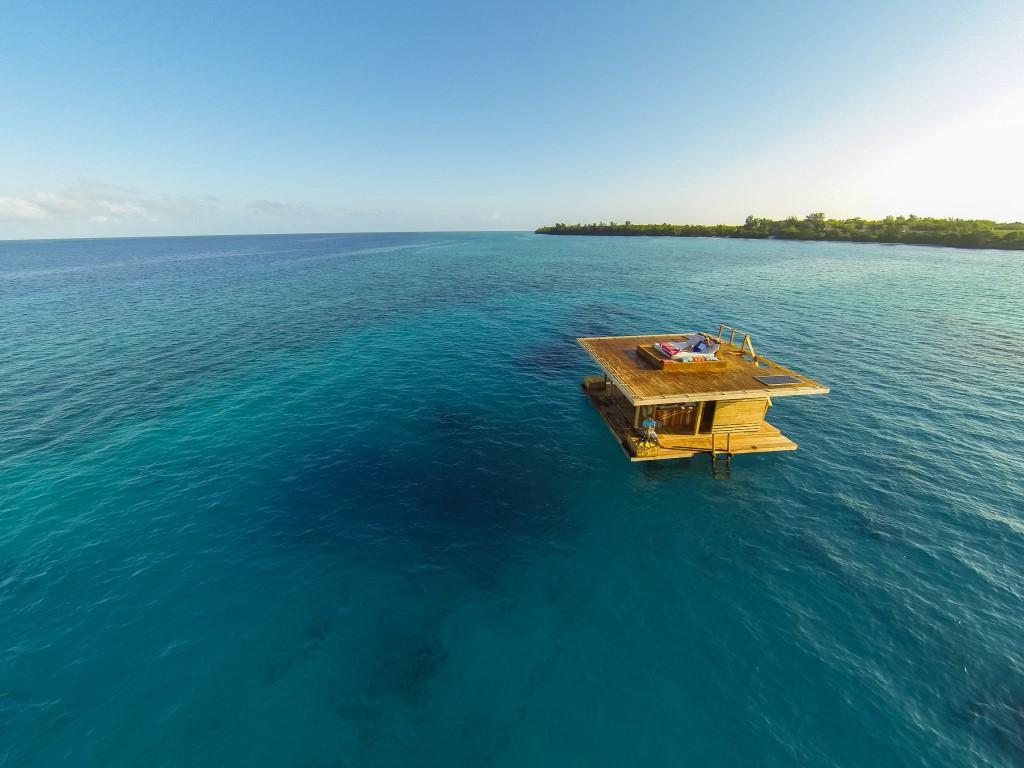 Underwater Room - The Manta Resort